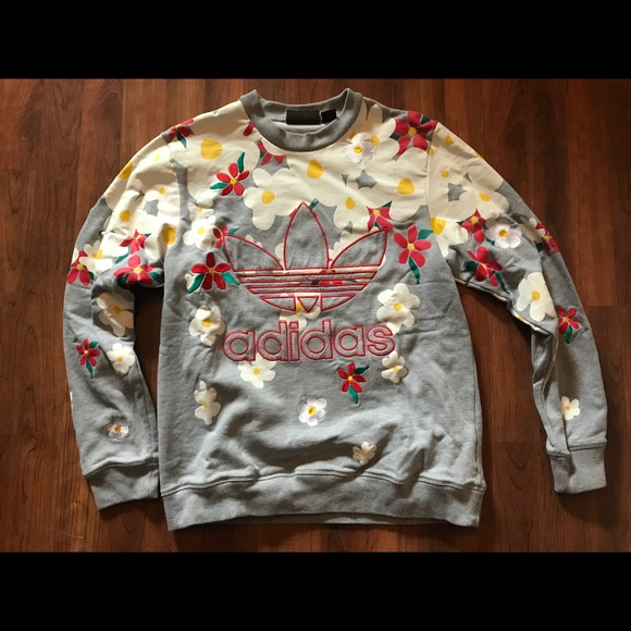 60975ebb38733 pharrell williams adidas daisy sweatshirt (M). adidas.  M_5abcfdf09cc7ef664ab57951. M_5abcfdf28290af818305b3d3.  M_5abcfdf4a44dbe61f716e016